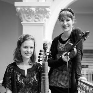 photo du Duo Coloquintes avec Alice Julien-Laferrière au violon et Mathilde Vialle à la viole de gambe