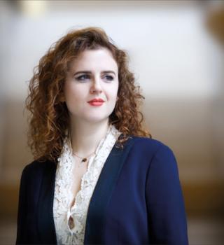 Portrait d'Eva Zaïcik mezzo-soprano